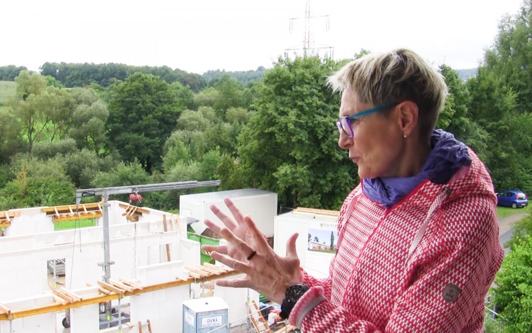 Barbara Prystanowski erklärt das zukünftige Rotary-Hospiz
