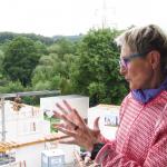 Barbara Prystanowski erklärt das Rotary-Hospiz