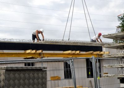 HIO: Das Dach wird montiert